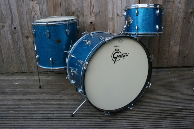 Gretsch Early '60's Round Badge 'Name band' Outfit in Blue Sparkle