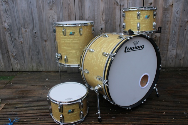 Ludwig 2017 Classic Maple in Aged Onyx