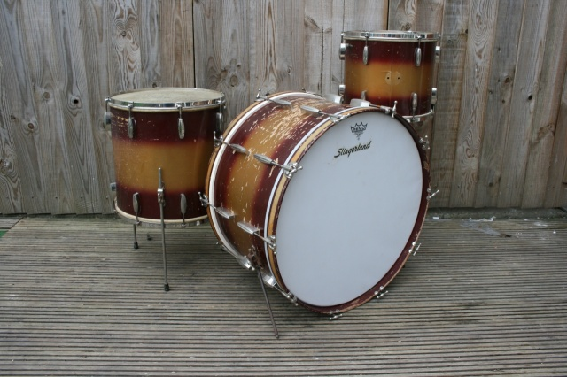 Slingerland Cloud Badge Radio King Outfit in Red & Gold Duco