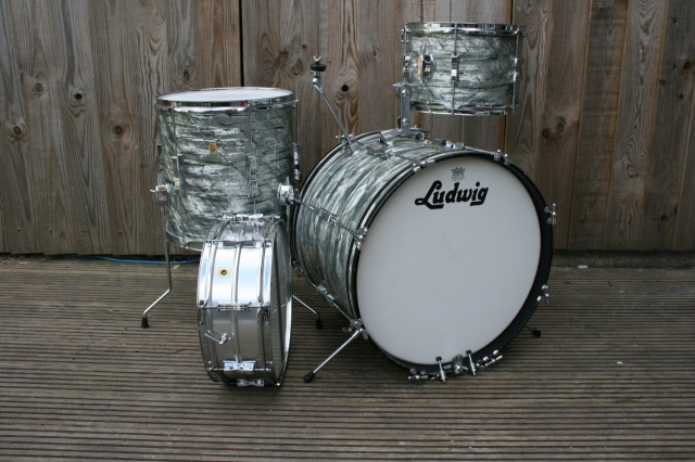 Ludwig 1965 Clubdate Outfit in Sky Blue Pearl with Acrolite