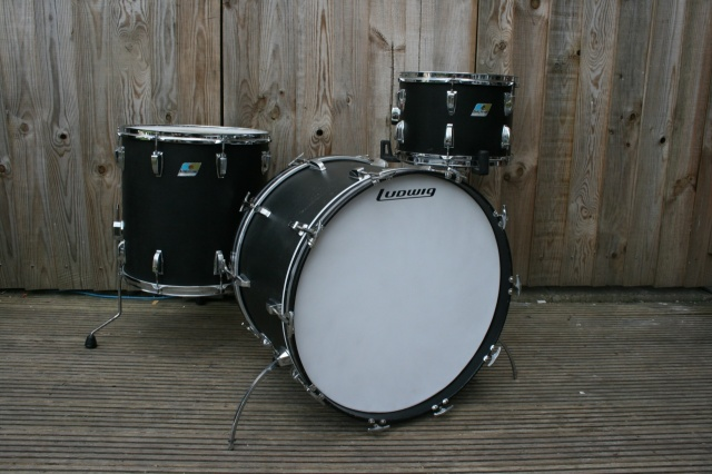 Ludwig 1971 'Black Panther' Super Classic Outfit