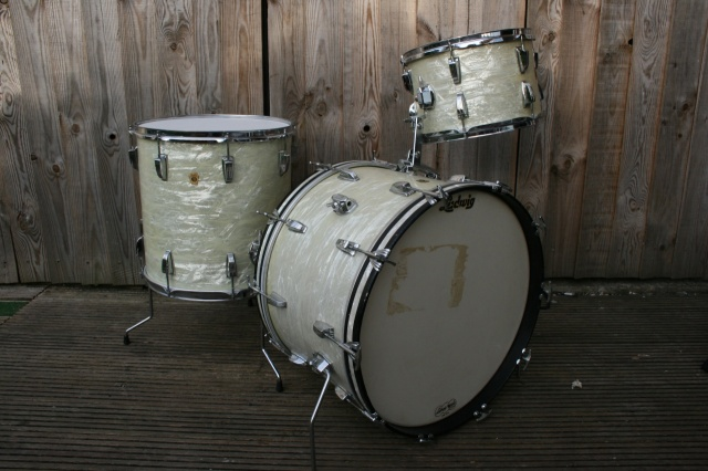 Ludwig 'May7 1966' Super Classic Outfit in White Marine Pearl