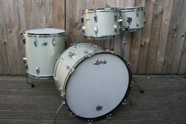Ludwig 1971 'Big Beat' Outfit in Silver Sparkle