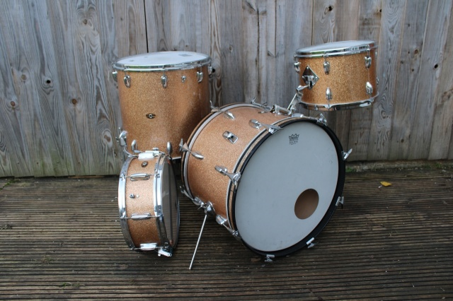 Slingerland 60's 'Gene Krupa' Deluxe Outfit and Snare in  Champagne Sparkle