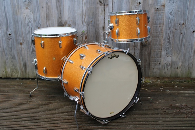 Ludwig 1964 Super Classic Outfit in Gold Sparkle