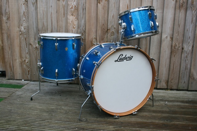 Ludwig 1966 Super Classic Outfit in Blue Sparkle