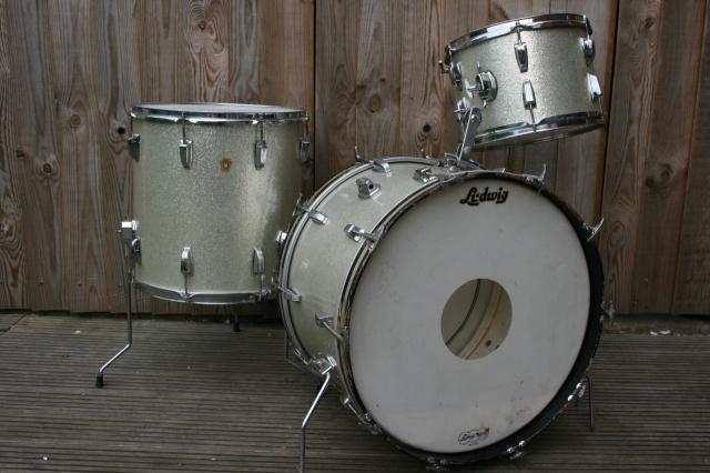 Ludwig 1966 Super Classic Outfit in Silver Sparkle