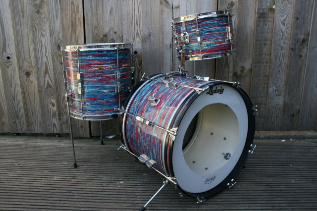 Ludwig 1967 Clubdate Outfit in Psychedelic Red