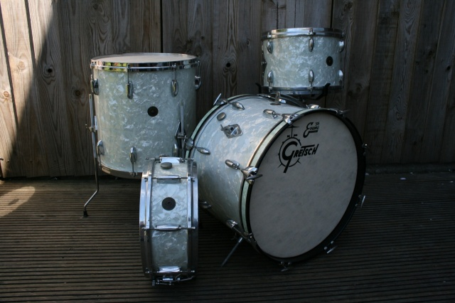 Gretsch '60's Round Badge 'BeBop' Outfit and Snare
