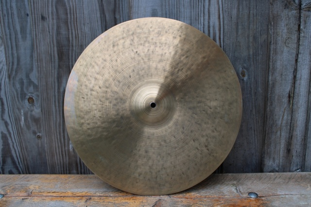 Cymbal and Gong 'Holy Grail' 18'' 1414g