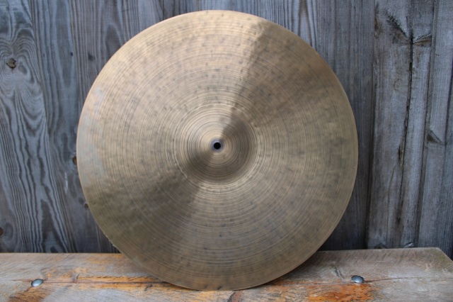 Cymbal and Gong 'Holy Grail 22'' K 2190g
