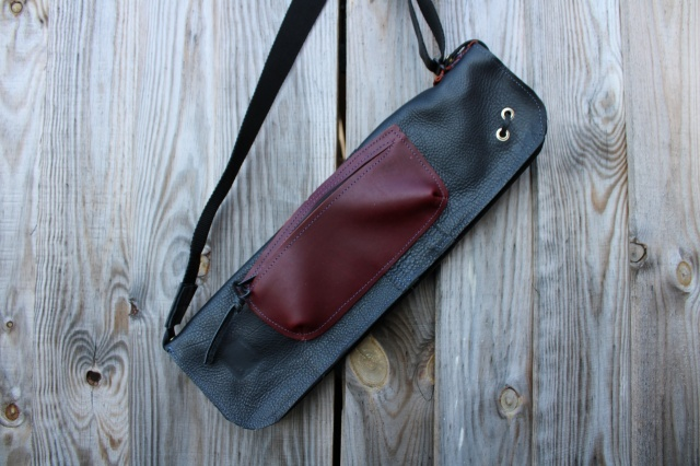 CacSac Gig Bags Streamline Stick Bag in Olive Leather with Red Pocket