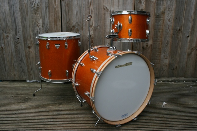 Ludwig Standard S-320 Outfit