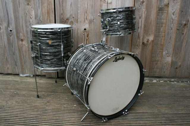 Ludwig 1966 'Clubdate' Outfit in Oyster Black Pearl