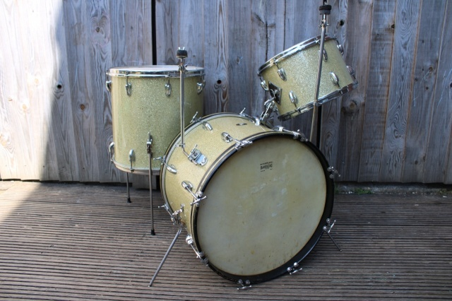 Slingerland Early 50's 'Gene Krupa Deluxe' Outfit in Sparkling Gold Pearl