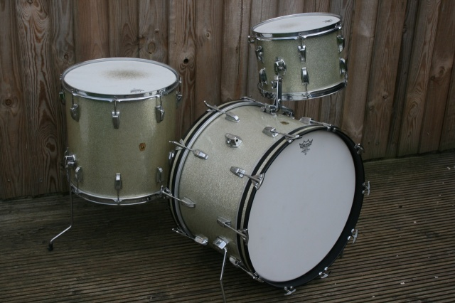Ludwig 1964 Super Classic in Silver Sparkle