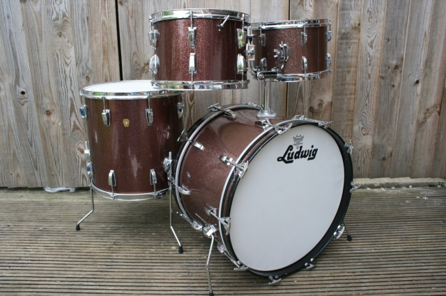 Ludwig 'Apr17 1967' Hollywood Outfit in Burgundy Sparkle
