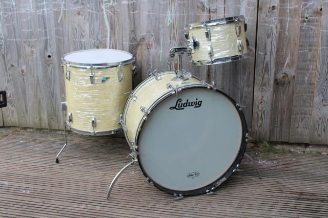 Ludwig 1970s Big Beat Outfit in White Marine Pearl
