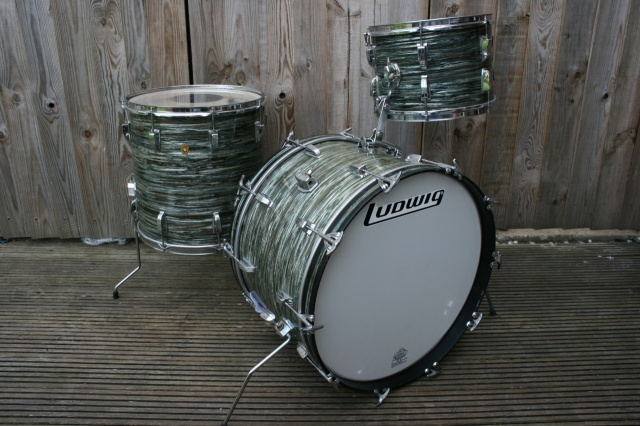 Ludwig 1967 Super Classic Outfit in Oyster Blue Pearl