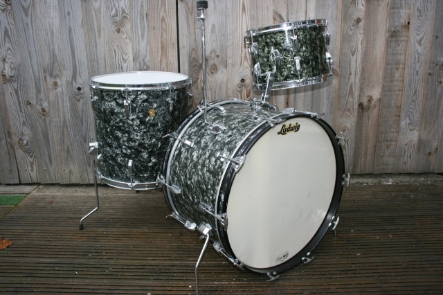 Ludwig 1964 Super Classic Outfit in Black Diamond Pearl