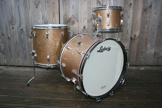 Ludwig 'Nov15 1961' Pre Serial Super Classic Outfit in Champagne Sparkle