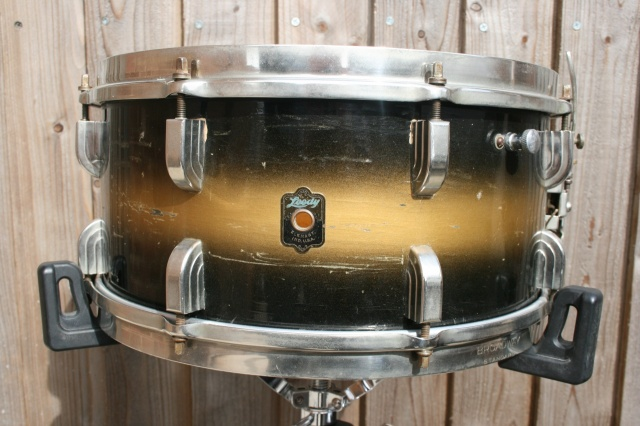 Leedy Elkhart Badge 'May 1939' Broadway One-Ply