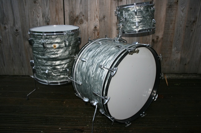 Ludwig 'April 1967' Keystone Super Classic Outfit in Sky Blue Pearl