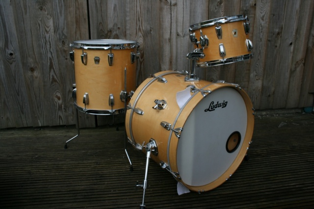 Ludwig Early '90's Monroe Badge Classic Maple DownBeat Outfit