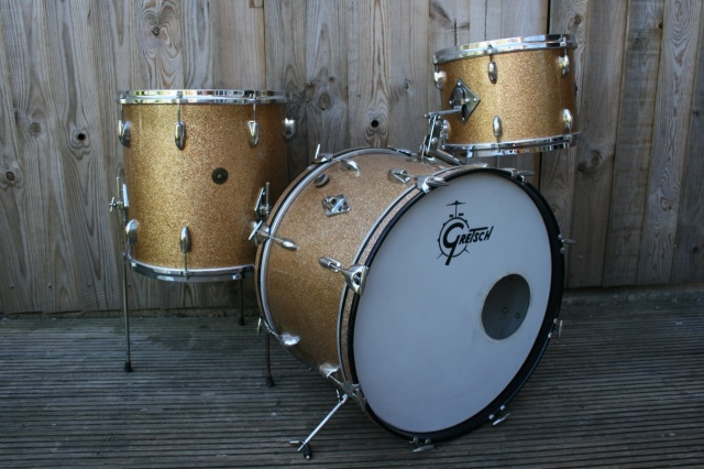 Gretsch Early '60's Round Badge 'Name band' Outfit in Champagne Sparkle