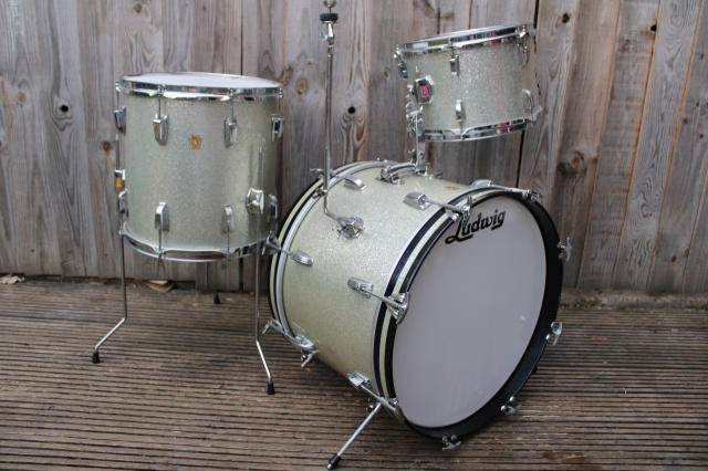 Ludwig 'May5 1965' DownBeat Outfit in Silver Sparkle