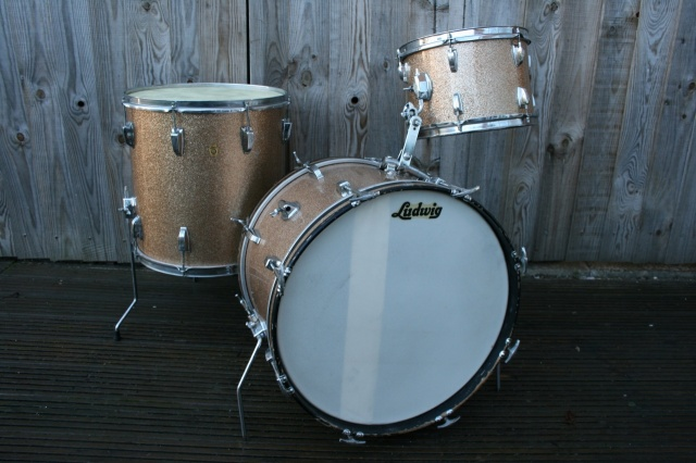 Ludwig Early 60's Super Beat Outfit in Champagne Sparkle