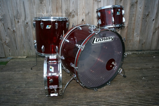 Ludwig Mid '70's Vistalite in Red