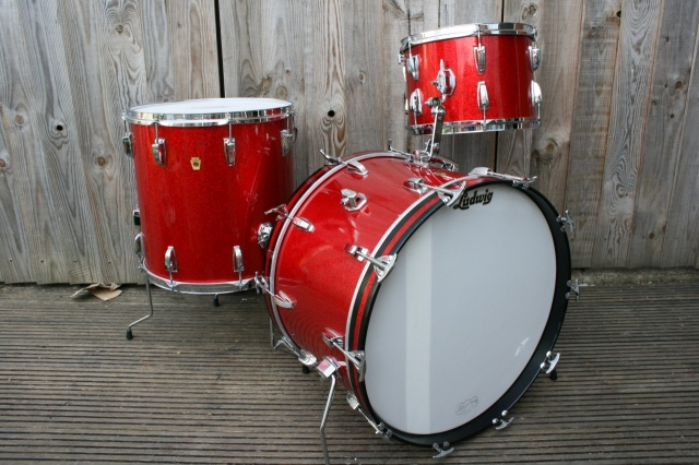 Ludwig 'Aug8 1968' Super Classic Outfit in Red Sparkle