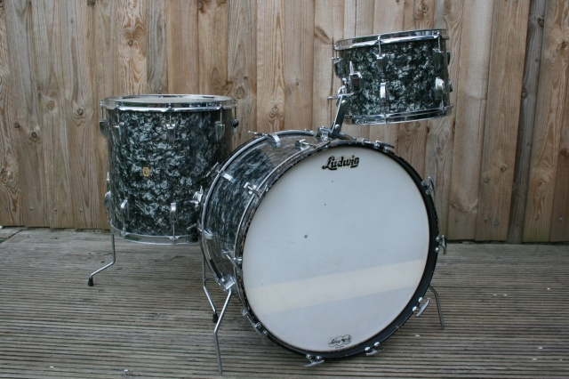 Ludwig 1964 Super Classic in Black Diamond