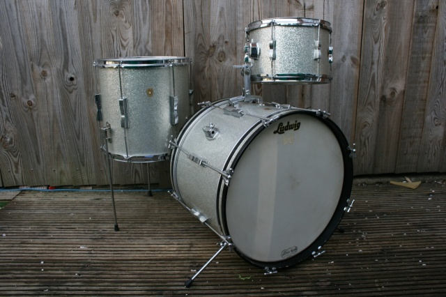 Ludwig 'March12, 1966' Clubdate Outfit in Silver Sparkle