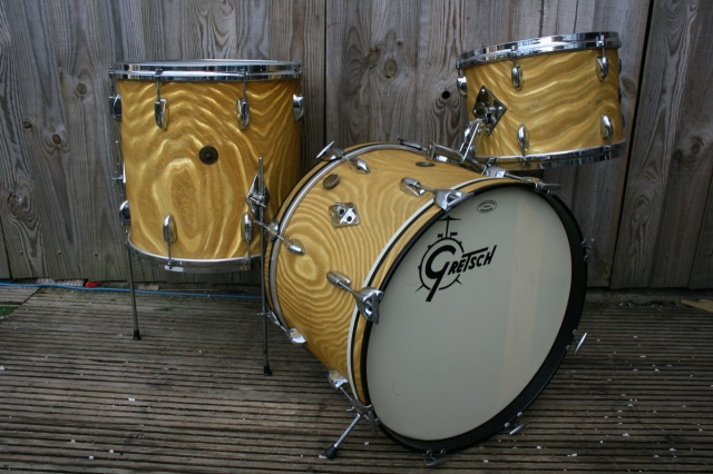 Gretsch '60's Round Badge 'BeBop' Outfit in Gold Satin Flame