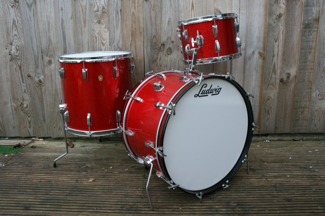 Ludwig 1965 Super Classic Outfit in Red Sparkle