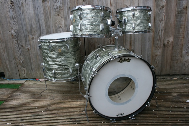 Ludwig 'Aug5 1966' Hollywood Outfit in Sky Blue Pearl