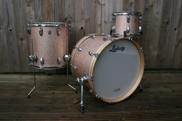 Ludwig 2006 Classic Maple Outfit in Champagne Sparkle