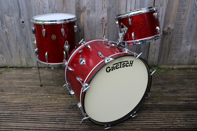 Gretsch '60's Round Badge 'Progressive Jazz' Outfit in Red Sparkle