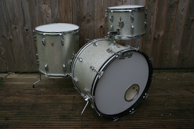 Ludwig 1965 Super Classic Outfit in Silver Sparkle