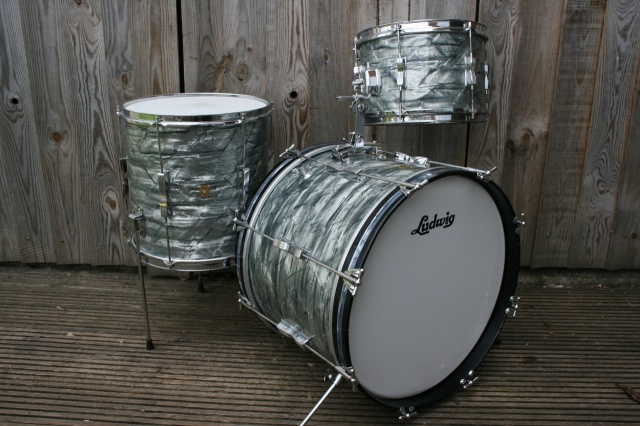 Ludwig 70's 'Big Beat' Outfit in Black Diamond Pearl