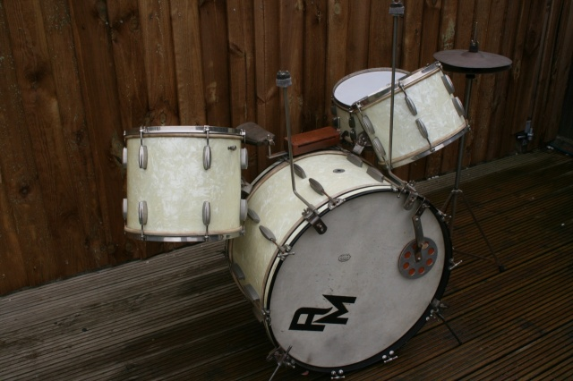 Slingerland 1942'Aluminium Cloud' Badge Radio King Outfit
