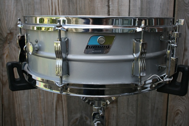 Ludwig 1980 Acrolite 'Rounded' Badge Sn 3053069