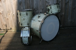 WFL 'Buddy Rich' Super Classic Outfit and Snare in White Marine Pearl