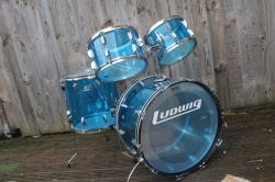 Ludwig 70's Vistalite 'Big Beat' 24 Outfit in Blue
