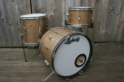 Ludwig 'March26, 1968' Clubdate Outfit in Champagne Sparkle