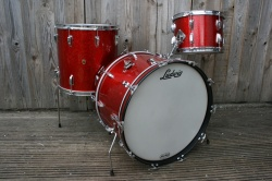 Ludwig 'Dec9 1960' Pre Serial Super Classic Outfit in Red Sparkle