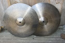 Cymbal and Gong 'Holy Grail' 14'' HiHats 795g Top 987g Bottom
