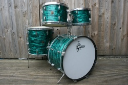 Gretsch Late 60's Round Badge 'Black Hawk' Outfit in Emerald Green Pearl